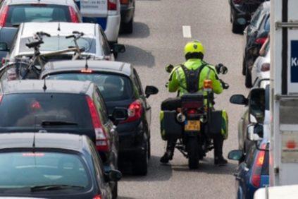 Motorrijden in de file